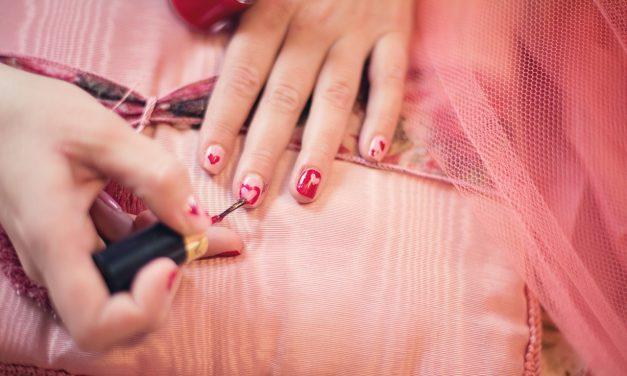 Παθήσεις που αποκαλύπτουν τα νύχια σας. Ποια η κατάλληλη διατροφή για την υγεία των νυχιών σας;