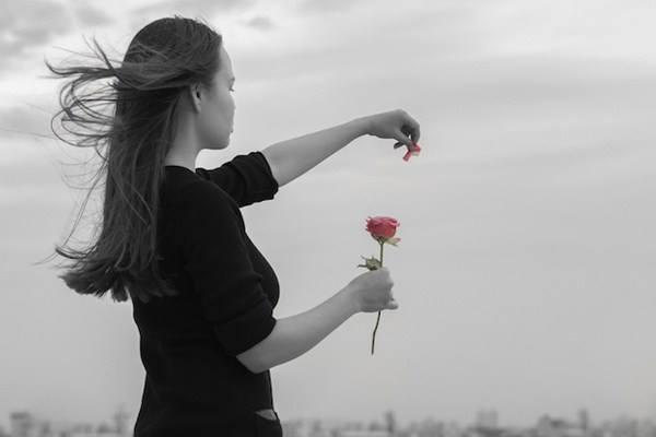 Πρώτα θα μάθεις πόσο αξίζεις και μετά θα γνωρίσεις τον άνθρωπο που θα σου αξίζει!