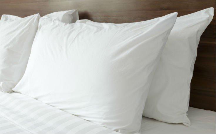 Έτσι θα μάθετε αν το μαξιλάρι σας είναι για… απόσυρση