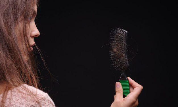 Απώλεια μαλλιών: Μήπως φταίει η διατροφή σας;