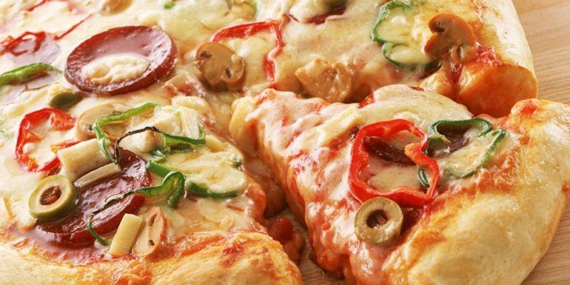 Φτιάξτε σπιτική υγιεινή πίτσα