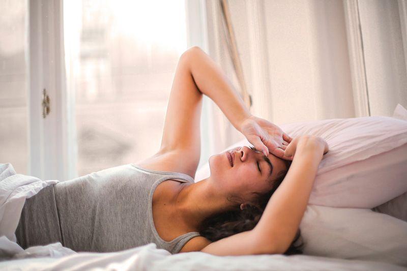 Νέες έρευνες δείχνουν πώς ο ύπνος καθαρίζει τις τοξίνες από τον εγκέφαλο