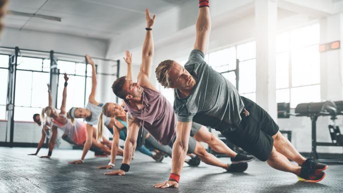 Σε ούτε 1 ούτε 2 αλλά 26 χρόνιες παθήσεις βοηθάει η άσκηση