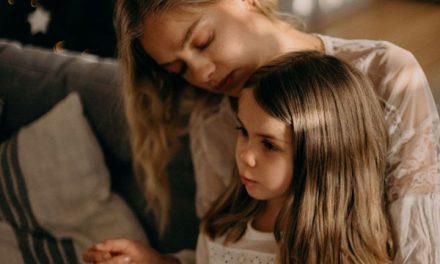 Γονική αποξένωση: όταν ο ένας γονέας χειραγωγεί το παιδί του για να απορρίψει τον άλλο γονέα
