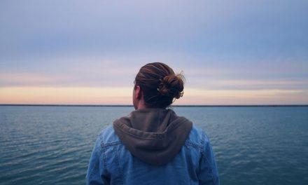 Γιατί πρέπει να δώσεις ένα όνομα στην «αρνητική» εσωτερική φωνή σου;